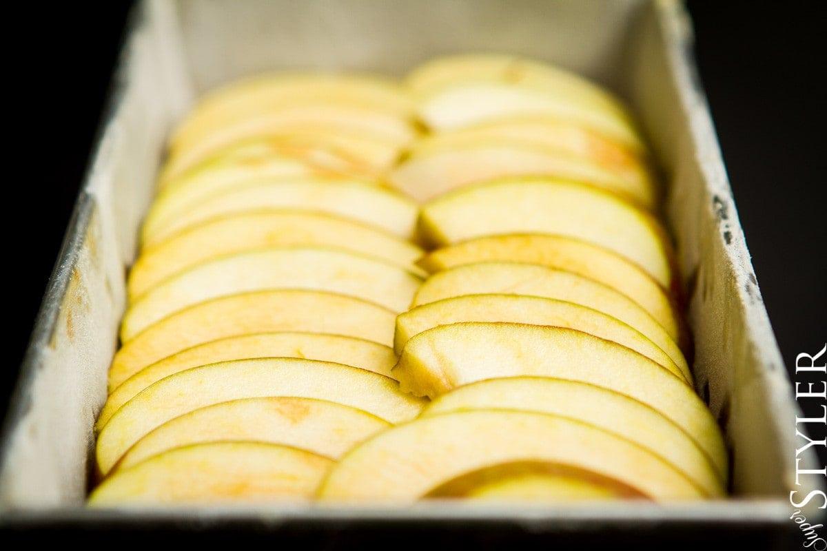 ciasto z jabłkami,ciasto z jabłkami i figami,ciasto do herbaty,ciasto z owocami,ciasto bez wyrabiania,podwieczorek,deser,ciasto,wypiek,keks