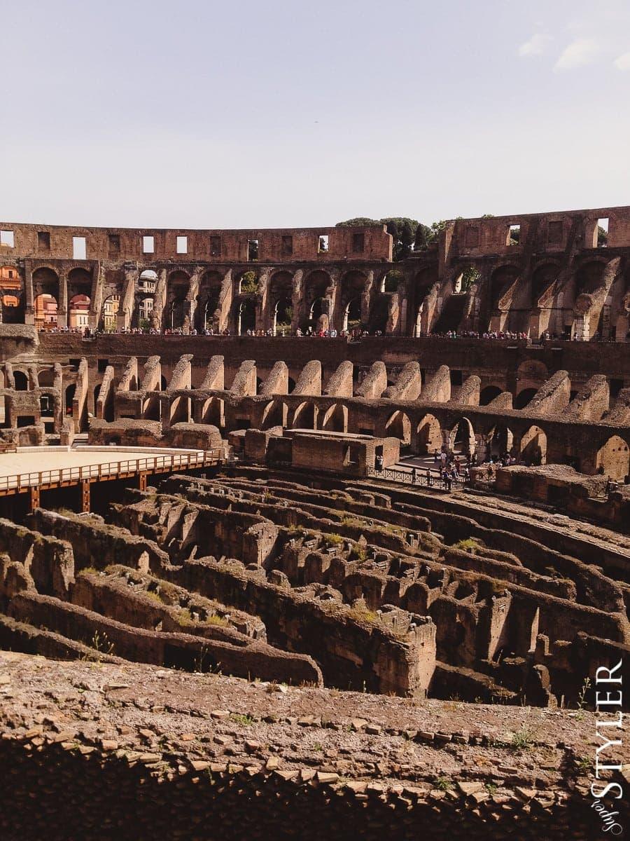 Koloseum,Colosseum,Włochy,Rzym,wycieczka,zwiedzanie,turystyka,turyści,turysta,rady,porady,zwiedzanie,zabytki,jedzenie,desery,zdjęcia,co zwiedzać,weekend w Rzymie,co warto zobaczyć w Rzymie,plan wycieczki Rzym,plan wycieczki po Rzymie,Watykan,wakacje we Włoszech