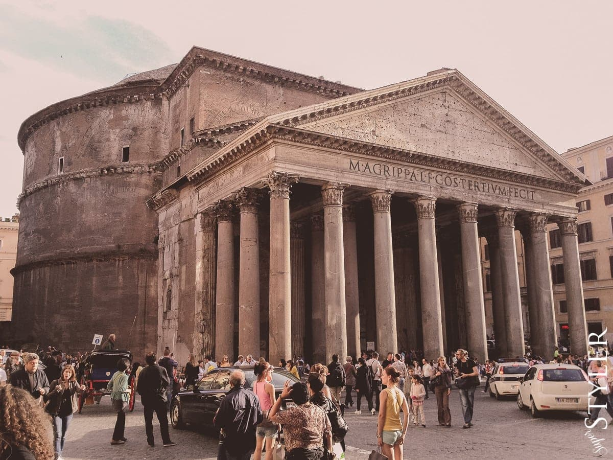 Panteon,Rzym,Włochy,wycieczka,zwiedzanie,turystyka,turyści,turysta,rady,porady,zwiedzanie,zabytki,jedzenie,desery,zdjęcia,co zwiedzać,weekend w Rzymie,co warto zobaczyć w Rzymie,plan wycieczki Rzym,plan wycieczki po Rzymie,Watykan,wakacje we Włoszech