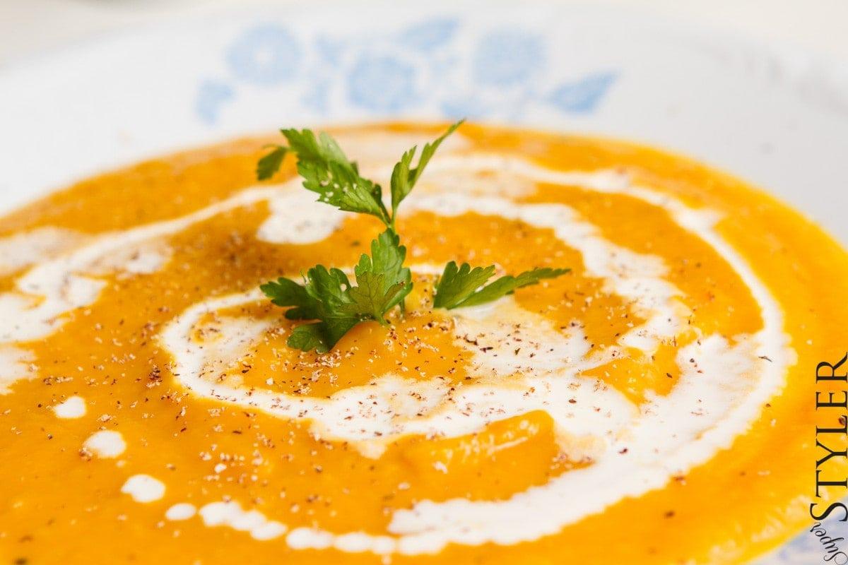 zupa z dyni,krem z dyni,krem z dyni na mleku,krem z dyni na ostro,zupa z dyni przepis,krem z dyni przepis,przepis z dynią,dynia przepis,szybko obiad,łatwy obiad