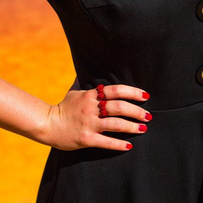 czarna sukienka,miu miu,trendy 2013,moda 2013,a/w 2013,f/w2013,2014,apaszka,długie sukienki,długa sukienka,sukienka z kołnierzem,sukienka na jesień