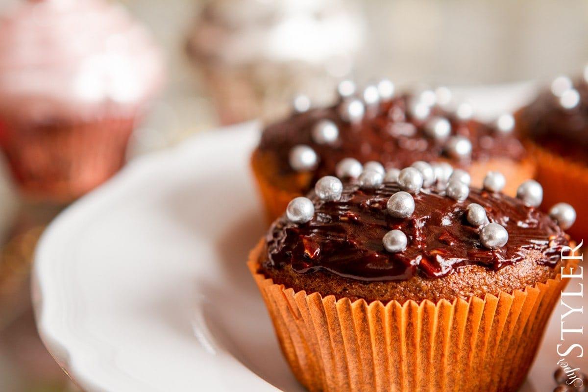 babeczki orzechowo-korzenne,babeczki orzechowe,cupcakes przepis,babeczki przepis,świąteczne wypieki,szybkie babeczki,szybkie cupcakes,cupcakes orzechowo - korzenne,babeczki,ciasta,ciasteczka,babeczki korzenne,cupcakes korzenne,przyprawa do pierników,łatwe wypieki,łatwe babeczki