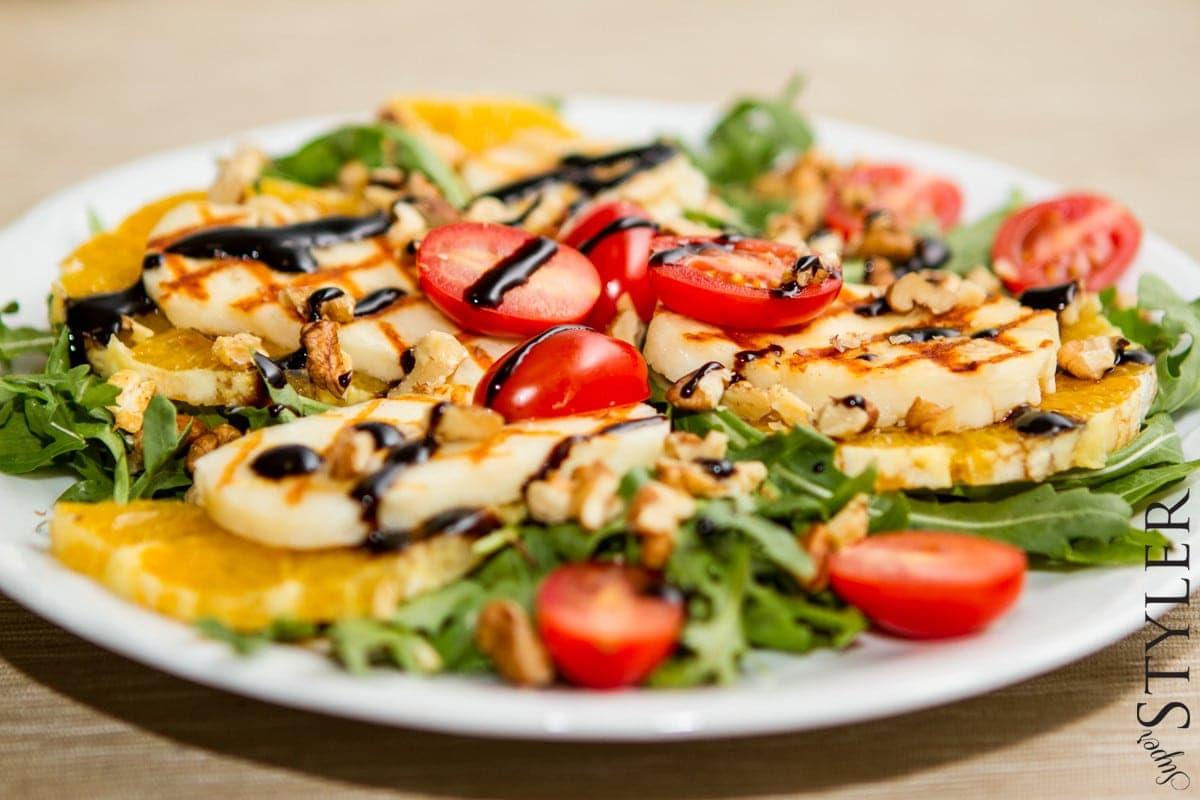 Pyszny I Latwy Przepis Na Salatke Z Grillowanym Halloumi Superstyler