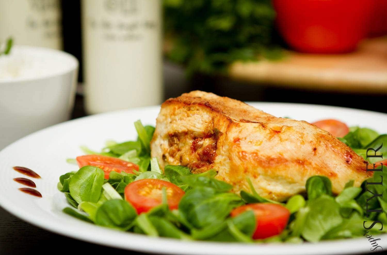 piers z kurczaka nadziewana pomidorami i kaparami przepis 5