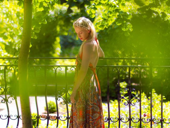 pomarańczowa sukienka