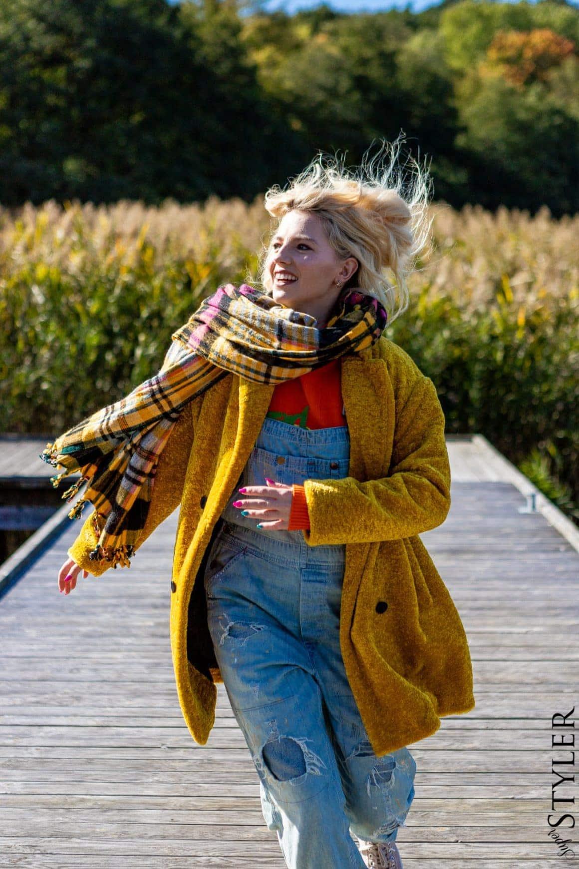jeansowe ogrodniczki żółty płaszczzara superstyler