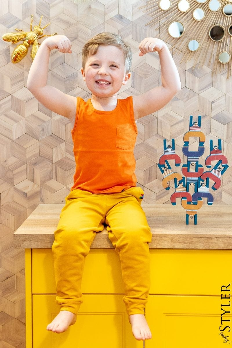 bracia akrobaci zabawki kreatywne