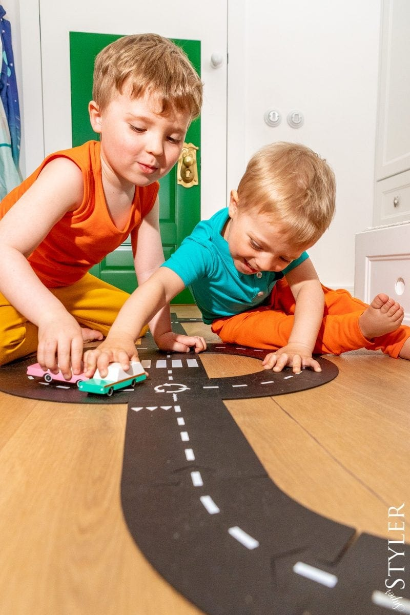 tor wyścigowy zabawki kreatywne