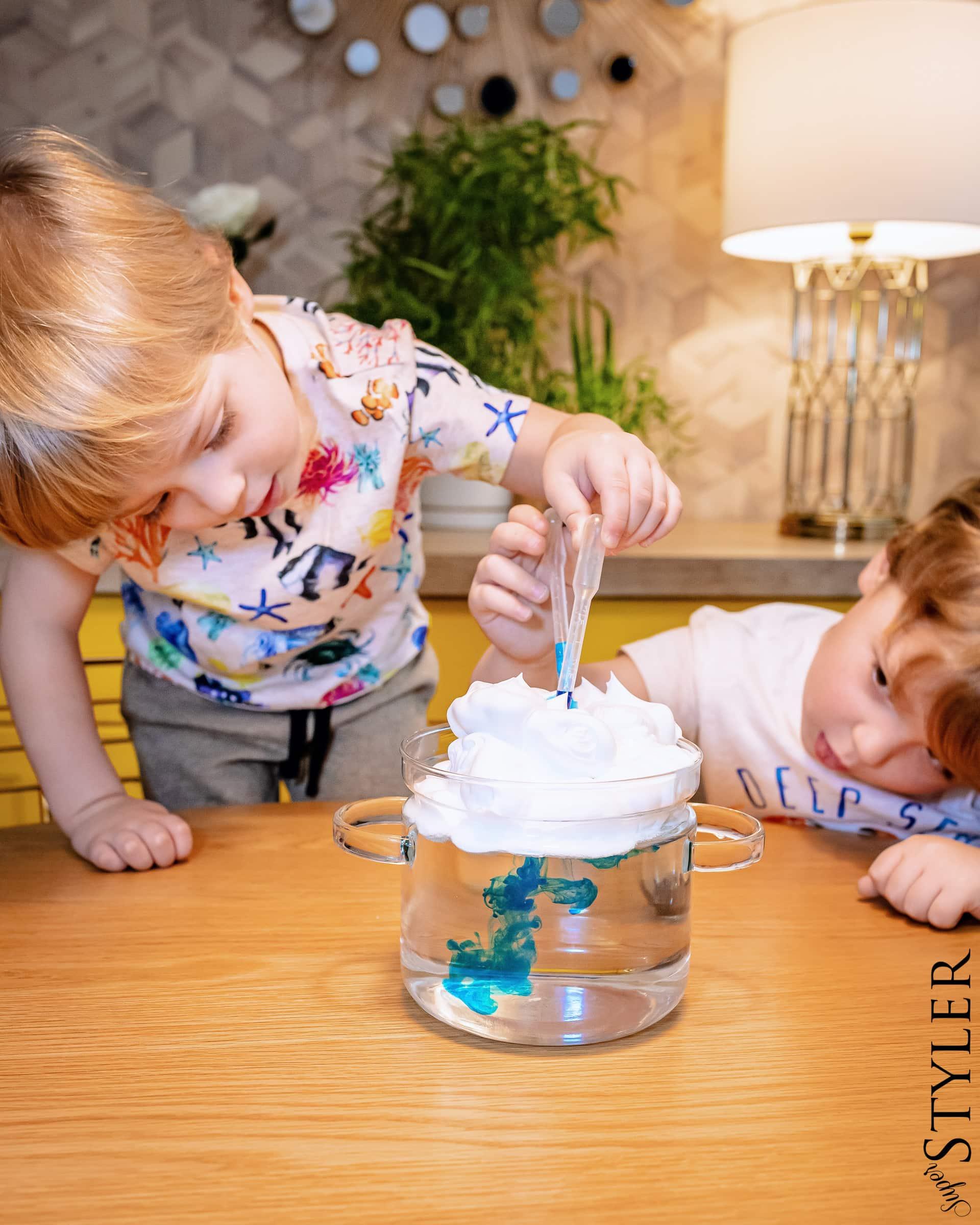 eksperymenty dla dzieci - deszcz w słoiku